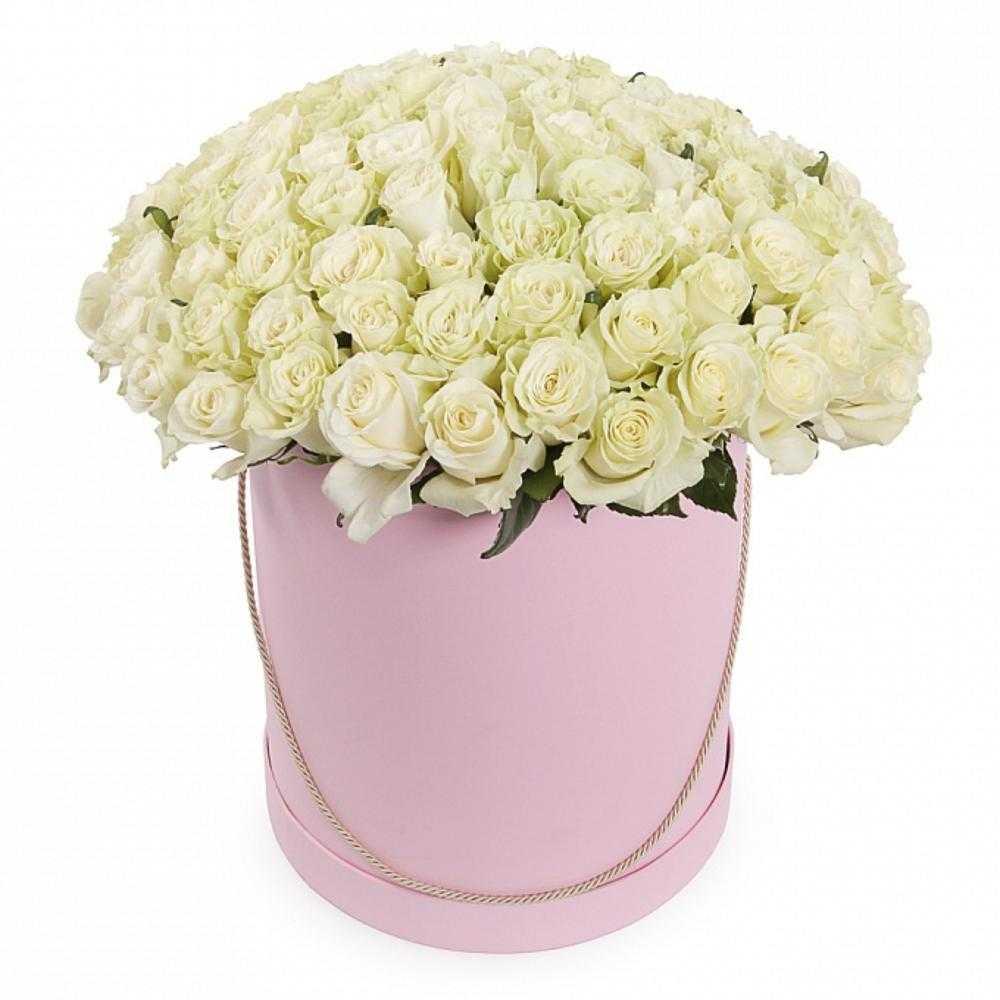композиция из 51 розы в цилиндре