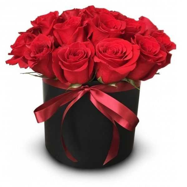 11 роз в цилиндре